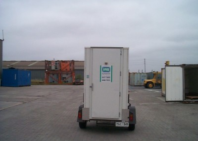 Coolroom for hire with the plant mounted on the trailer