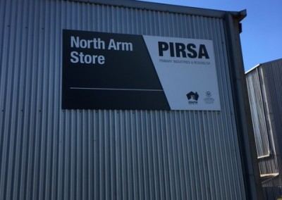 Installing new 40' reefer at South Austrailian Fisheries Research,North Arm Store in Port Adelaide