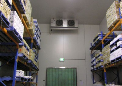 Coolrom built to accommodate-stacking of pallets