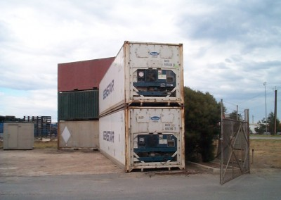 We use quality parts from Carrier in all our refrigerated containers and shipping containers like these 40' reefers